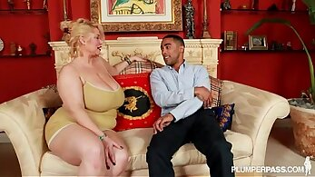 Black Hooker Takes That Fat Cock