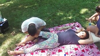 Chinese Amateur Body Massage Assistant