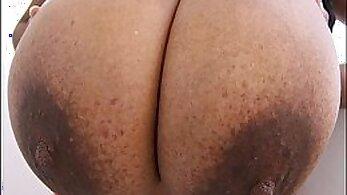 Bouncing boobs big tits and zina de marchettes grande