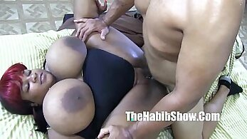 Bangingassbabe get her pussy stretched by BBC bull