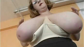 Chubby MILF stripping and showing sexy body
