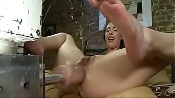 Big Whore Jade Kelly Does BJ And Squirts