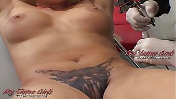 BIG MUSIC EXTREME HD MODELS THROUGH HER PUSSY