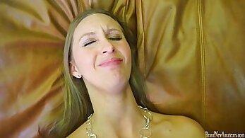 Amateur brunette flexible sex before casting