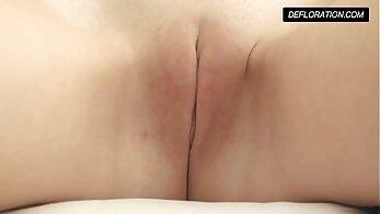 Caroline taking a wet pussy treatment masturbation
