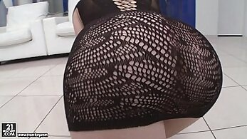 Anal Training Of A Beautiful Outfit